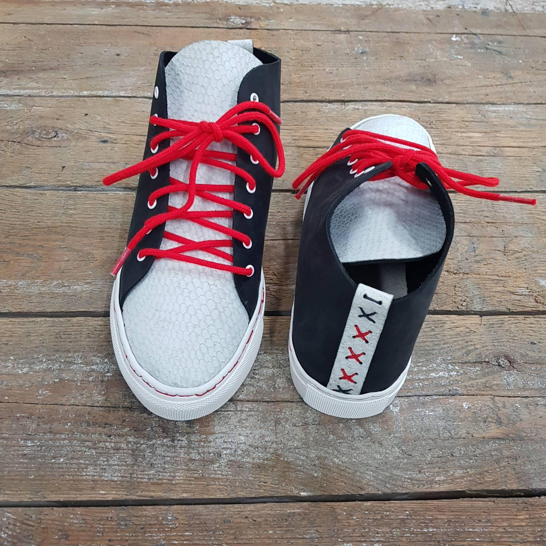 sneakercourse